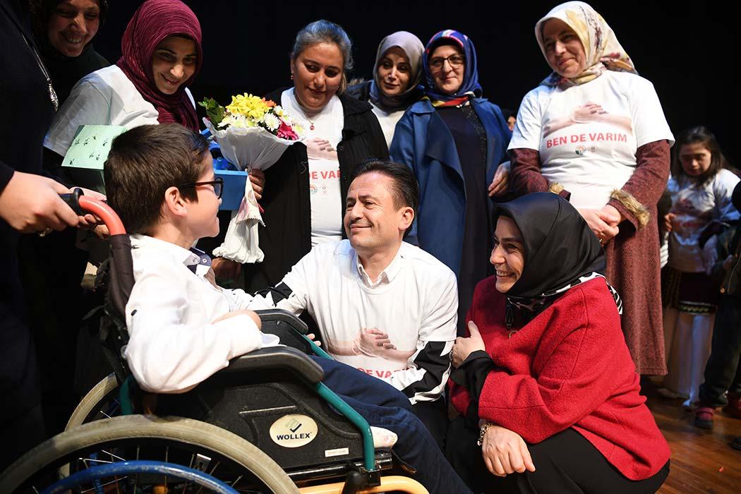 10-16 Mayıs Engelliler Haftası, Tuzla'da 4 kurumun işbirliğiyle düzenlenen özel programla kutlandı. Tuzla'da Engelliler Haftası kutlama programı, İdris Güllüce Kültür Merkezi'nde düzenlendi.